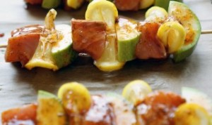 Grilled-Kebab-Salmon-with-vegetables-320x190